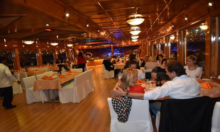 Dhow Cruise Abu Dhabi